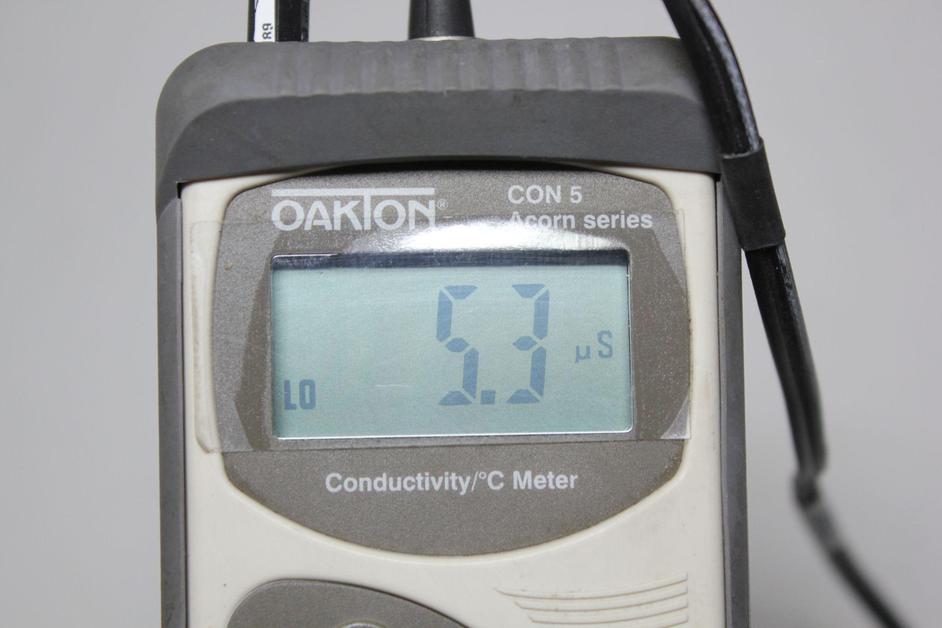 OAKTON CONDUCTIVITY/ °C METER - Image 7 of 8