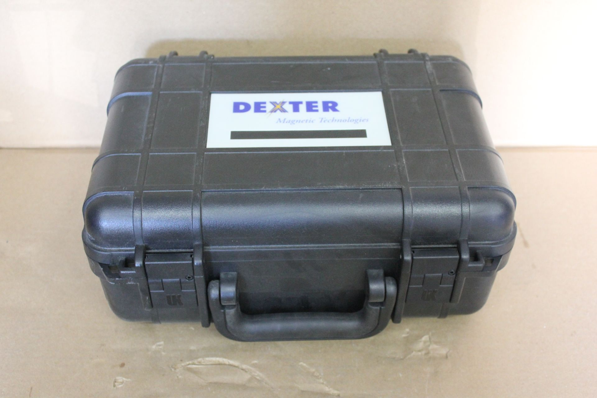 DEXTER MAGNETIC TECHNOLOGIES MAGNET AND HARD CASE