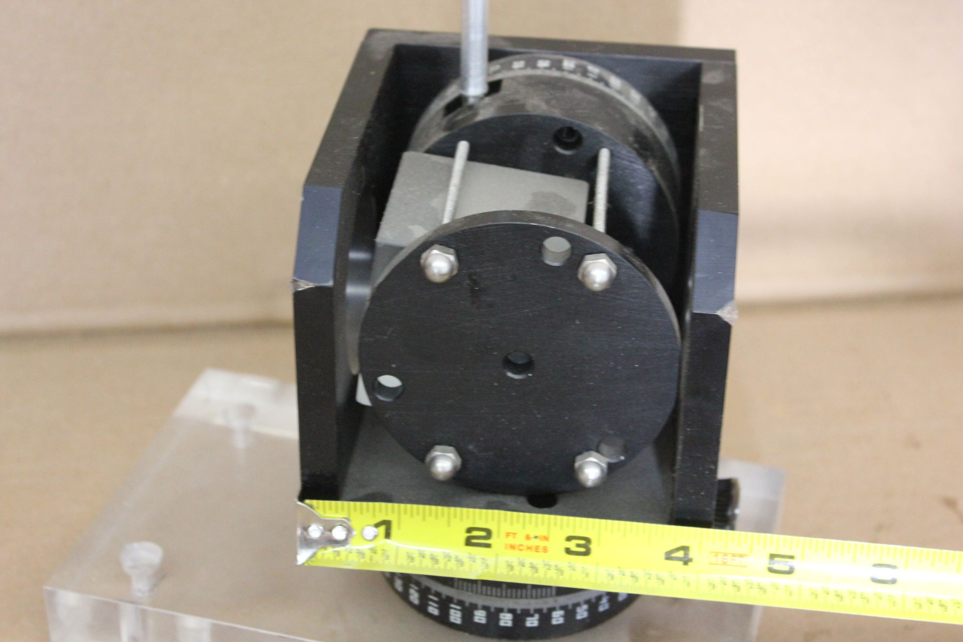 LAB LASER OPTIC ASSEMBLY WITH ROTATION STAGES - Image 2 of 3