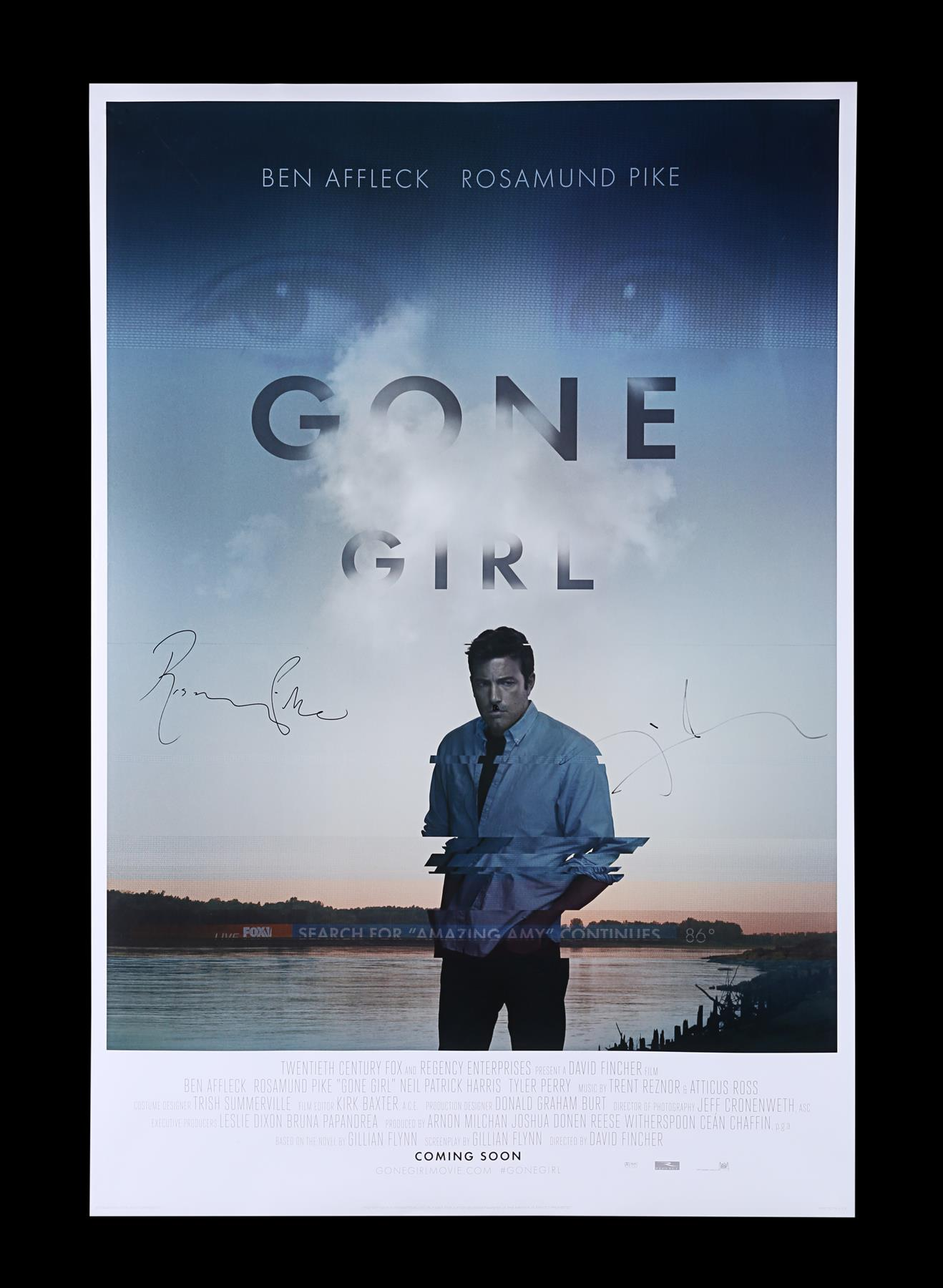 GONE GIRL (2014) - Poster Autographed by David Fincher and Rosamund Pike