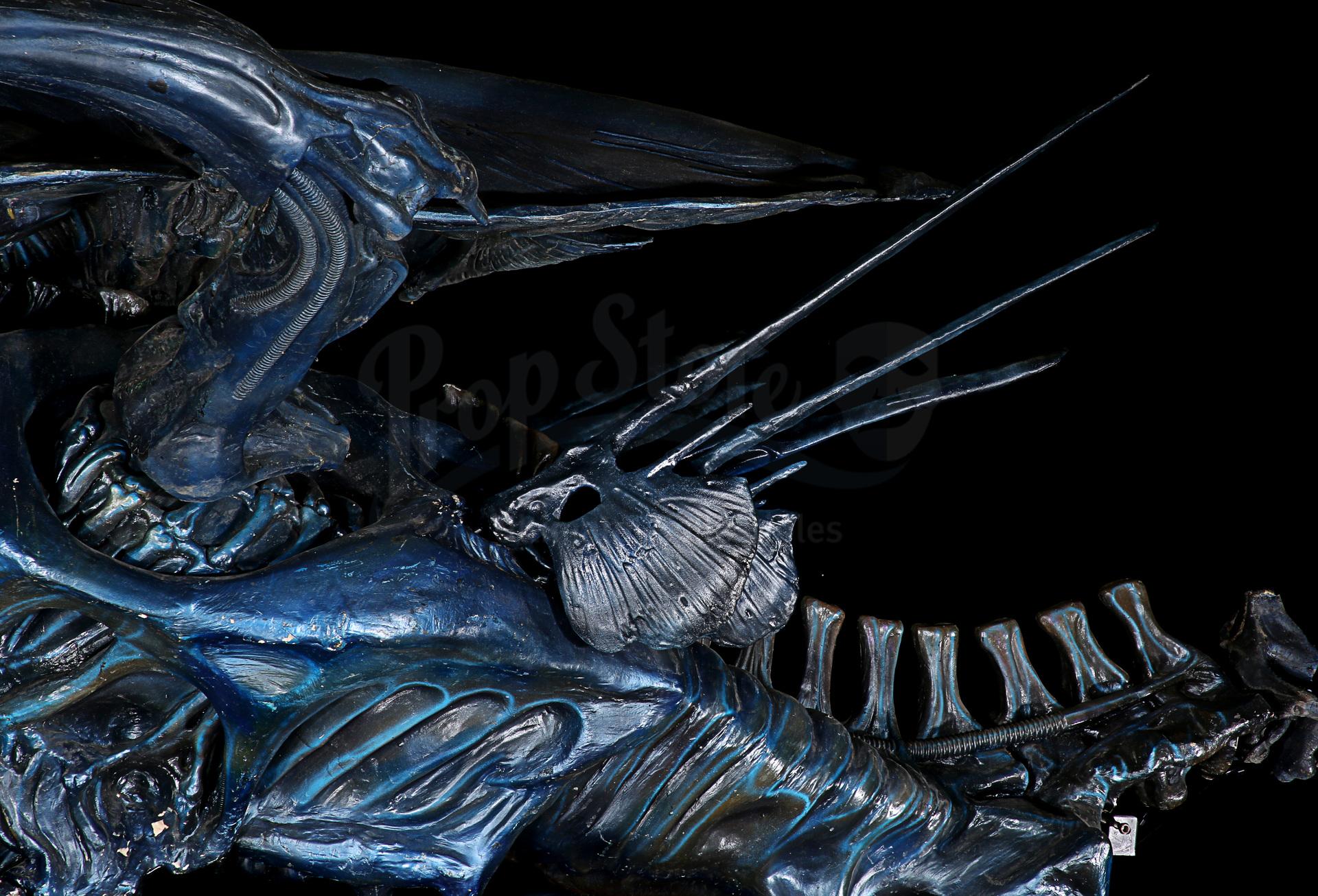 ALIENS (1986) - Full-size Promotional Alien Queen - Image 24 of 38