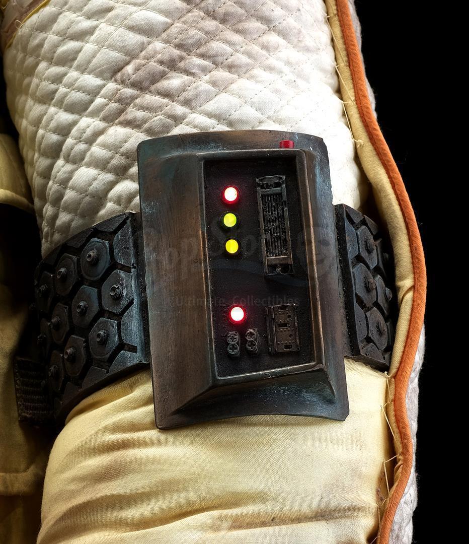 ALIEN (1979) - Light-up Replica Thomas Kane (John Hurt) Spacesuit Display - Image 12 of 15