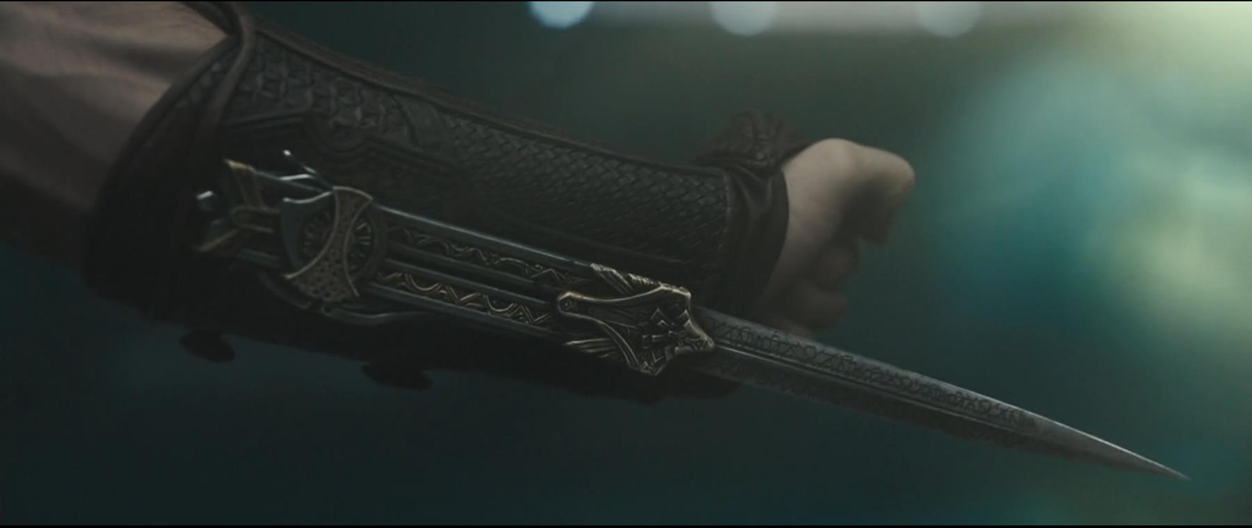 ASSASSIN'S CREED (2016) - Aguilar's (Michael Fassbender) SFX Wristblade - Image 16 of 17