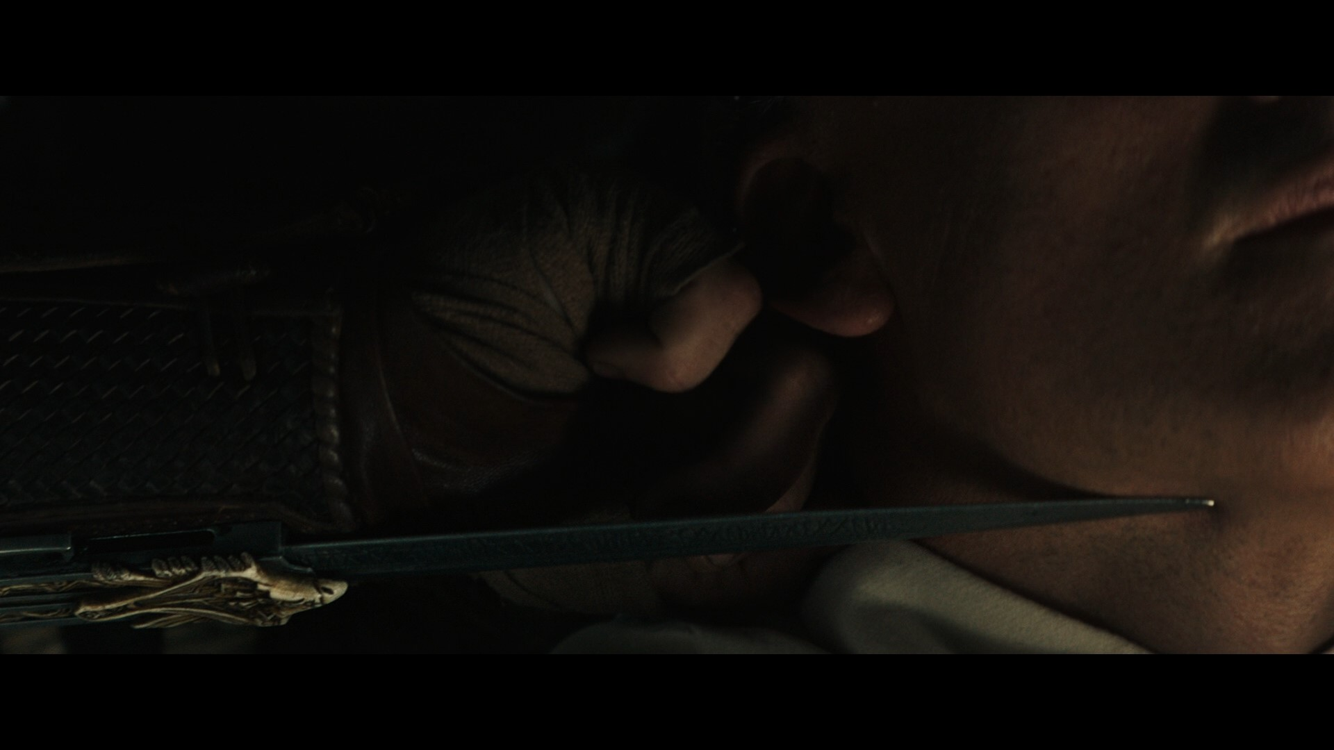 ASSASSIN'S CREED (2016) - Aguilar's (Michael Fassbender) SFX Wristblade - Image 15 of 17