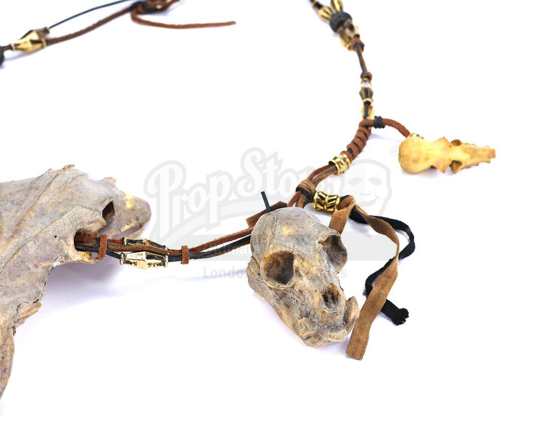 AVP: ALIEN VS. PREDATOR (2004) - Ancient Predator (Ian Whyte) Mask and Necklace - Image 7 of 7