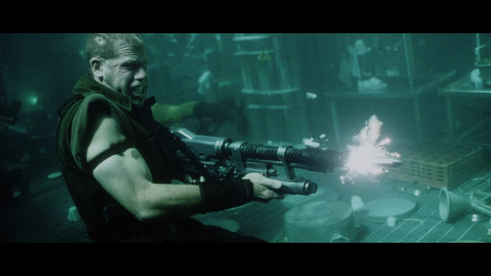 ALIEN RESURRECTION (1997) - Light-Up AR-2 Rifle - Image 18 of 19