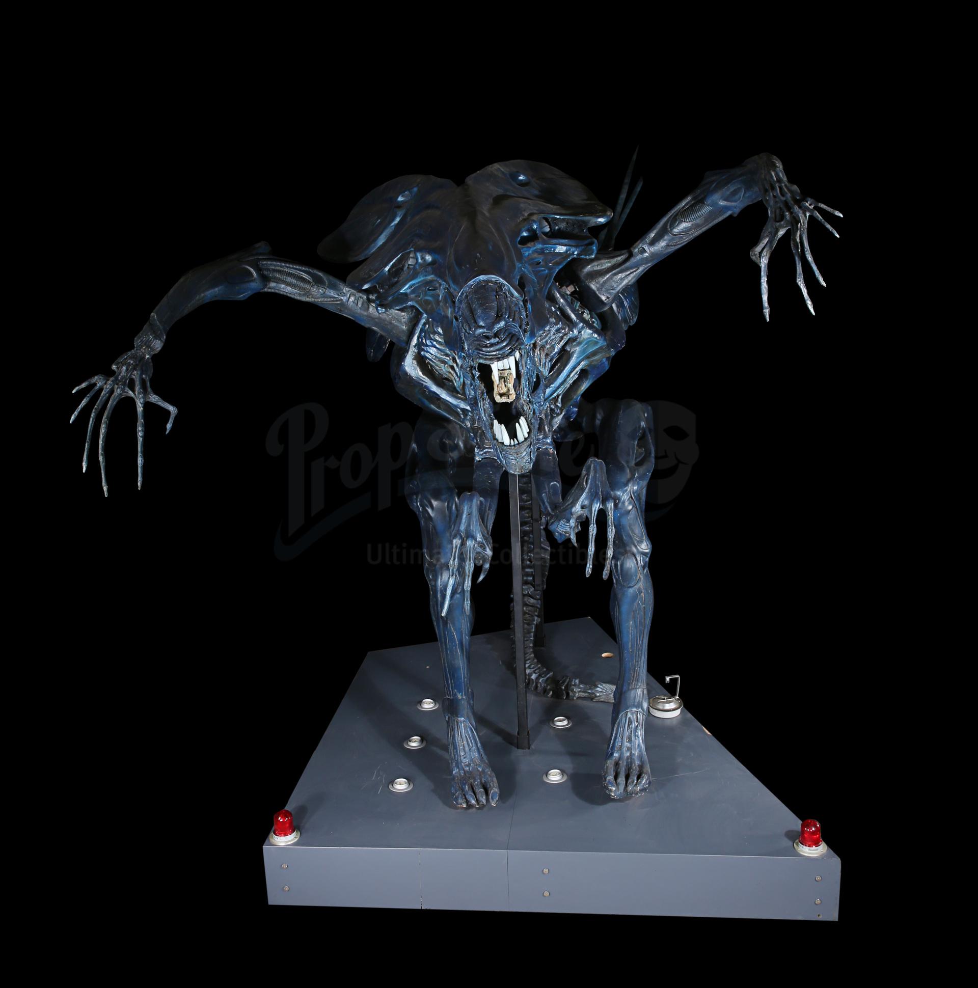 ALIENS (1986) - Full-size Promotional Alien Queen - Image 19 of 38