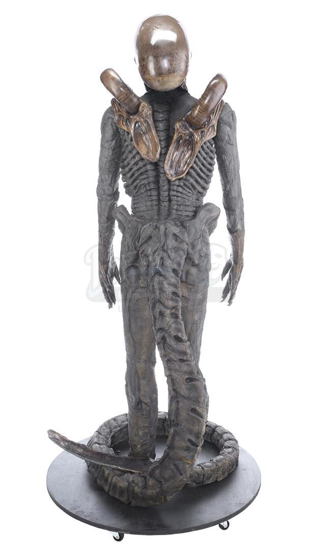 ALIEN3 (1992) - Xenomorph Warrior Complete Costume Display - Image 5 of 11