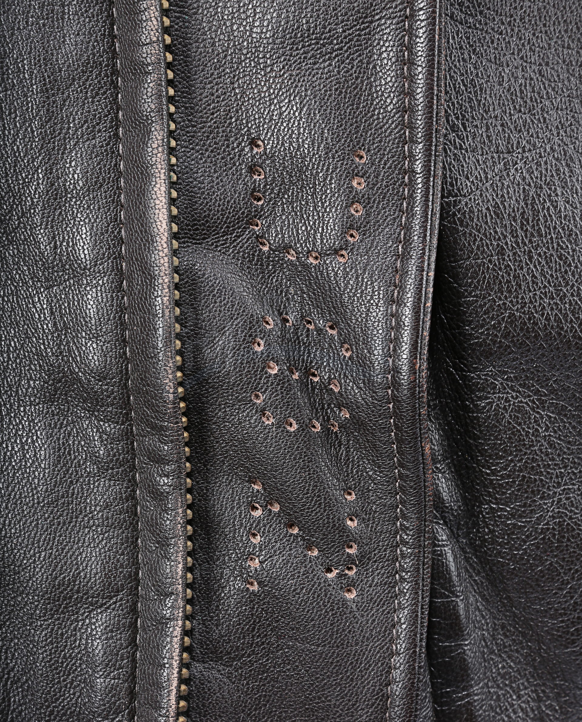 THE 6TH DAY (2000) - Adam Gibson's (Arnold Schwarzenegger) Leather Jacket - Image 10 of 15
