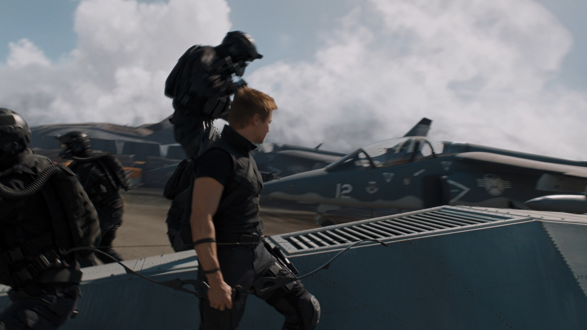 THE AVENGERS (2012) - Hawkeye's (Jeremy Renner) H&K P30 Stunt Pistol - Image 10 of 10