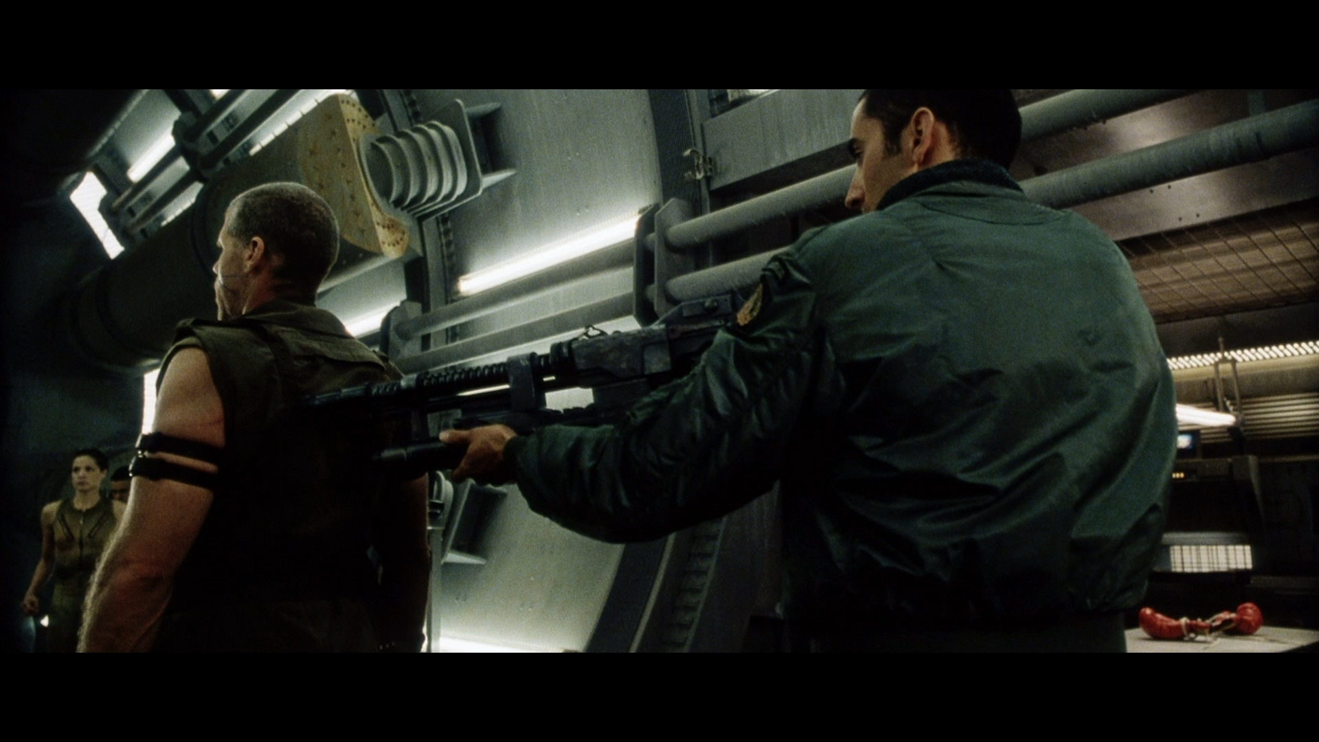 ALIEN RESURRECTION (1997) - Light-Up AR-2 Rifle - Image 11 of 19