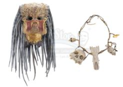 AVP: ALIEN VS. PREDATOR (2004) - Ancient Predator (Ian Whyte) Mask and Necklace