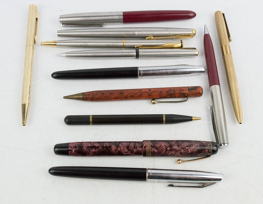 Lot 158 - A group of Parker pens, including one fountain Parker pen with 14ct gold nib. (12)