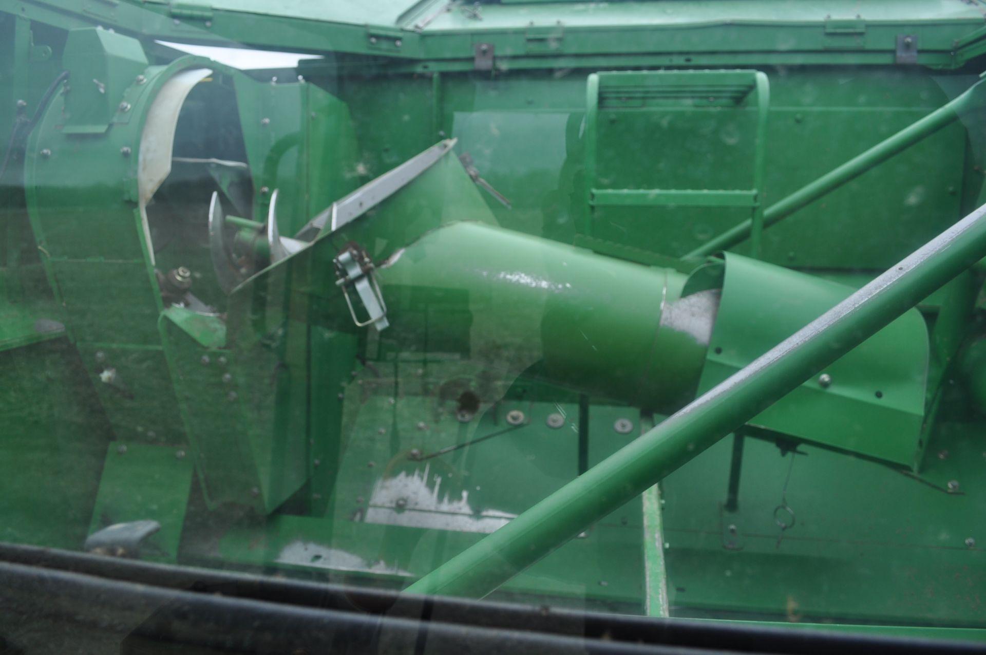 John Deere 9450 combine, 30.5-L32 drive, NEW 14.9-24 rear, chopper, chaff spreader, Mauer bin - Image 22 of 24