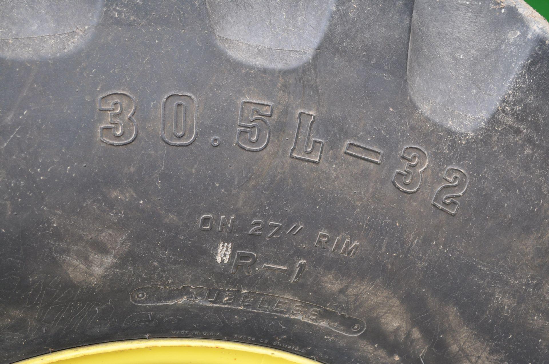John Deere 9450 combine, 30.5-L32 drive, NEW 14.9-24 rear, chopper, chaff spreader, Mauer bin - Image 17 of 24