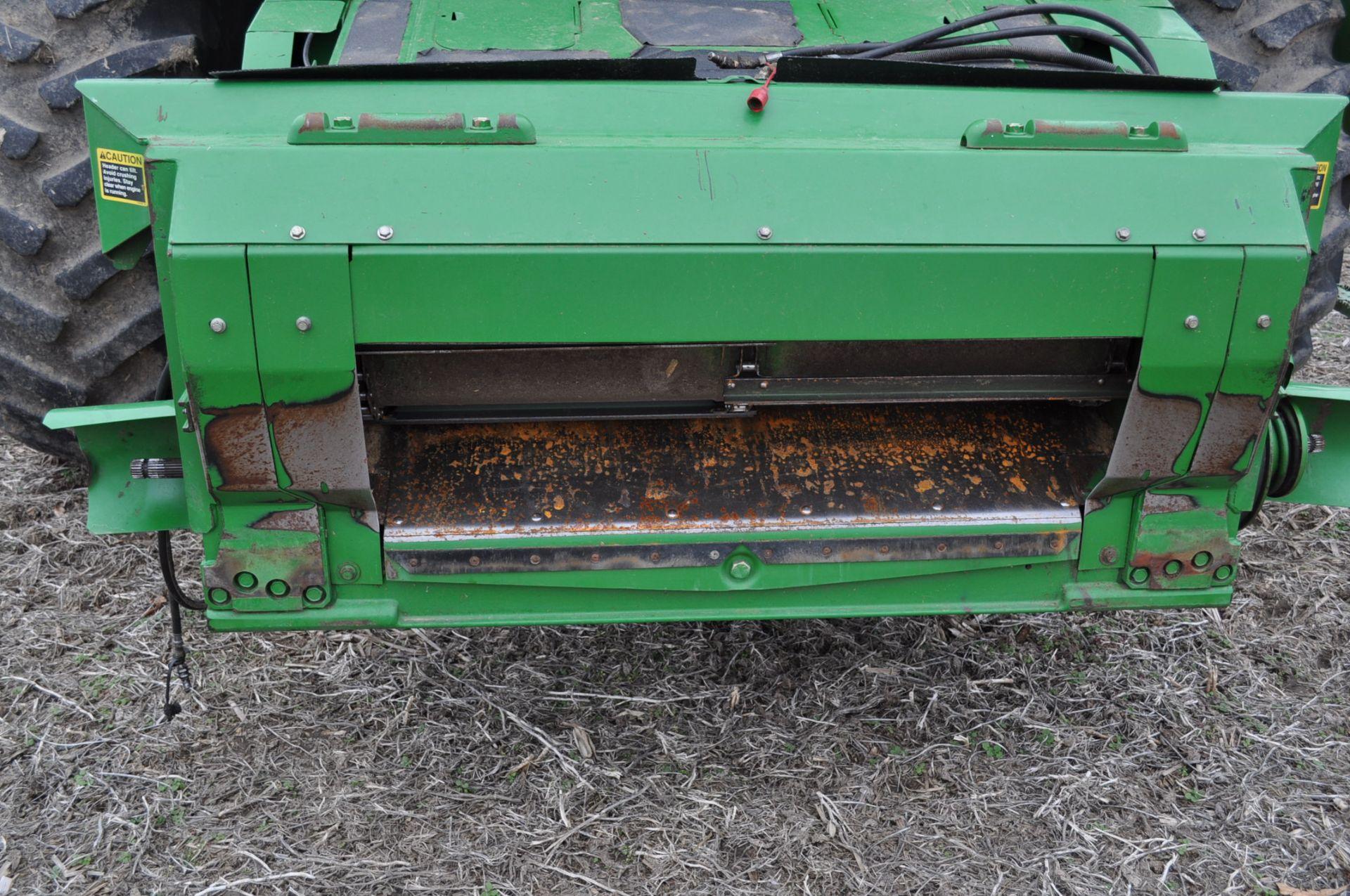 John Deere 9450 combine, 30.5-L32 drive, NEW 14.9-24 rear, chopper, chaff spreader, Mauer bin - Image 12 of 24