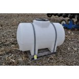 300 gallon poly banded leg tank