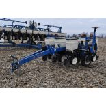 Kinze 3000 planter 4/7 planter, boxes, no-till, pull-type, ground drive, markers, rubber closing