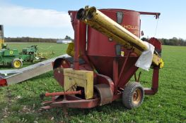 New Holland 353 grinder mixer, ear corn chute, screens, folding unload auger