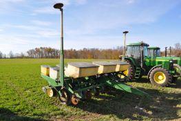 """John Deere 7000 planter, 6-row, 30"""", dry fert, no-till, seed firmer, rubber closing wheels, finger"""