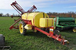 "Hinkier Century HD 1000 sprayer pull-type, 60' X-fold boom, 15"" nozzle spacing, tank rinse & flush"