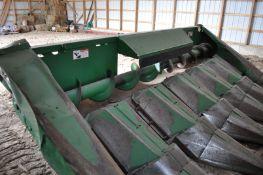 John Deere 643 corn head w/ ear saver, SN H00643X641061