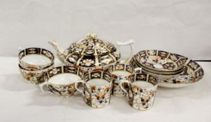 Early 19th century Derby Imari decorated tea wares