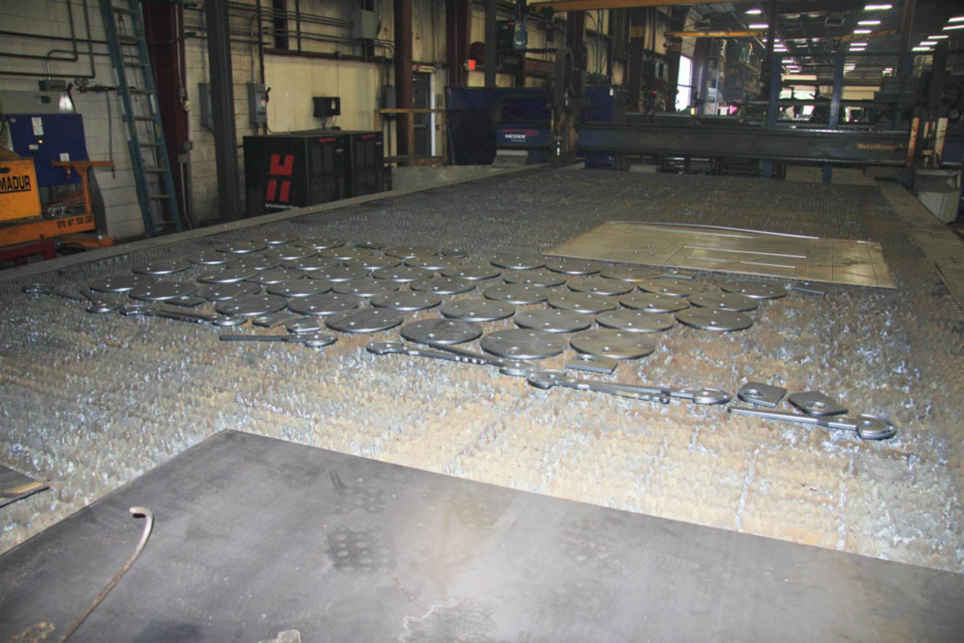 """2015 MESSER MDL. MMEXCEL HI-DEF CNC PLASMA CUTTING TABLE, [2] HEADS, 140"""" X 324"""" OVERALL TABLE SIZE, - Image 19 of 20"""