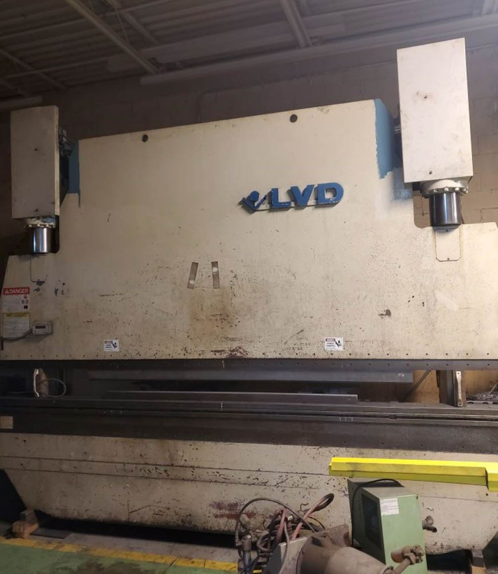 """1993 LVD PPEB160-40 160 TON X 161"""" CNC BRAKE(located in Markle,Indiana), MNC85000, 124"""" BH -AS IS"""