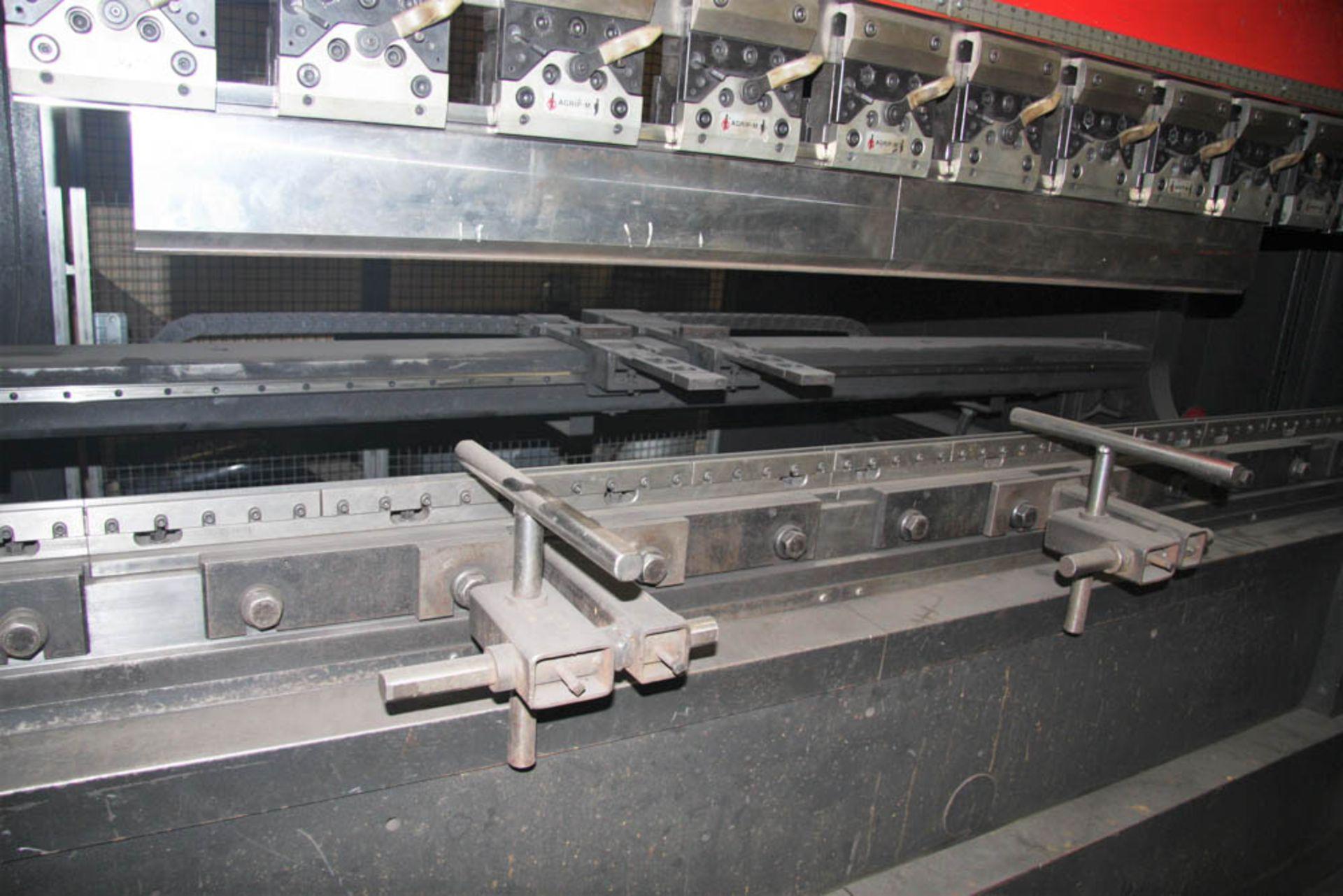 "2015 187 US TON X 122"" AMADA MDL. HG1703 CNC PRESS BRAKE, AMNC 3i CONTROL, 122"" MAX BEND LENGTH - Image 5 of 14"