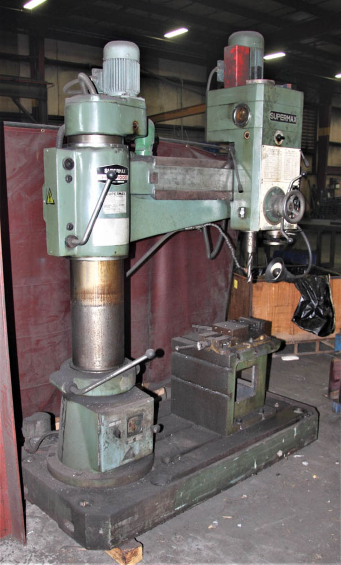 """SUPERMAX MDL. HRD-1000 3' X 9' RADIAL ARM DRILL, POWER ELEVATION, COOLANT, 17"""" X 18"""" X 18"""" T-SLOTTED"""