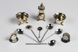 A pair of Edwardian silver place card holders by Asprey, London 1903, each of plain polished