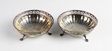 A pair of silver bon-bon dishes by Mappin & Webb, Birmingham 1920, each of circular form with