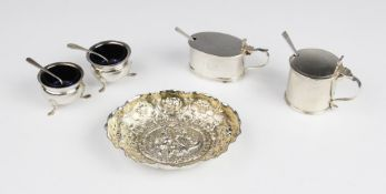 A Victorian silver bon-bon dish by William Comyns & Sons, London 1892, of oval form with shaped