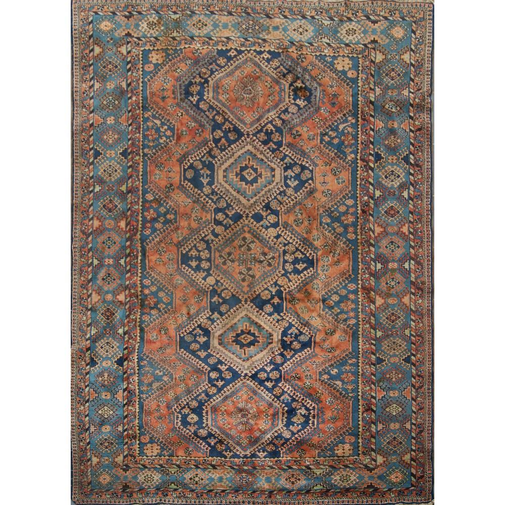 Lot 10 - TAPPETO Yalameh, trama ordito e vello in lana. Persia XX secolo Misure: cm 300 x 212