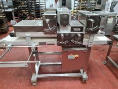 PIETROBERTO FINGER AND BAP MOULDER