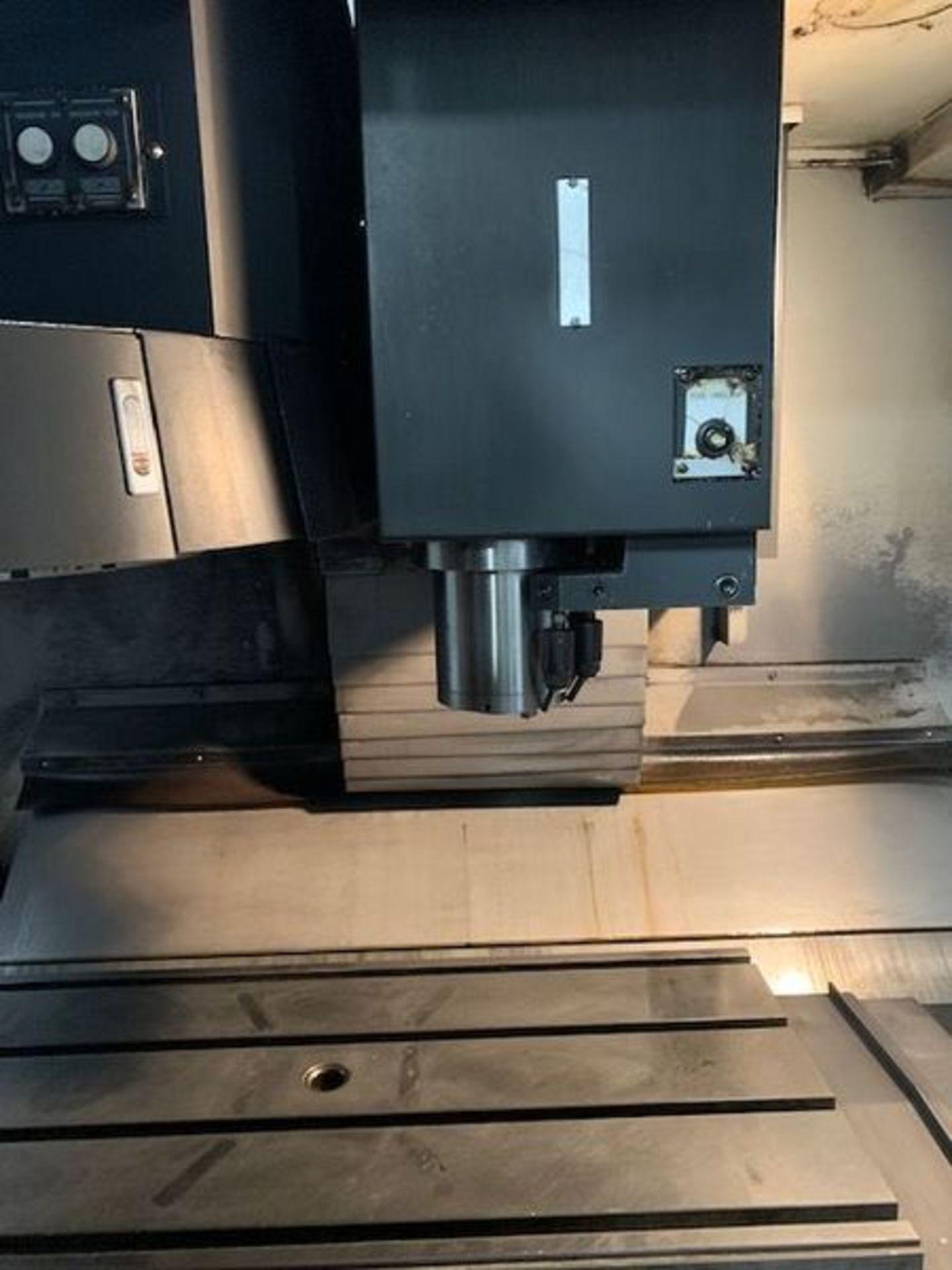 Lot 3D - 2007 DOOSAN MV-3016LD CNC VERTICAL MACHINING CENTER WITH THROUGH SPINDLE COOLANT & CHIP CONVEYOR, X: