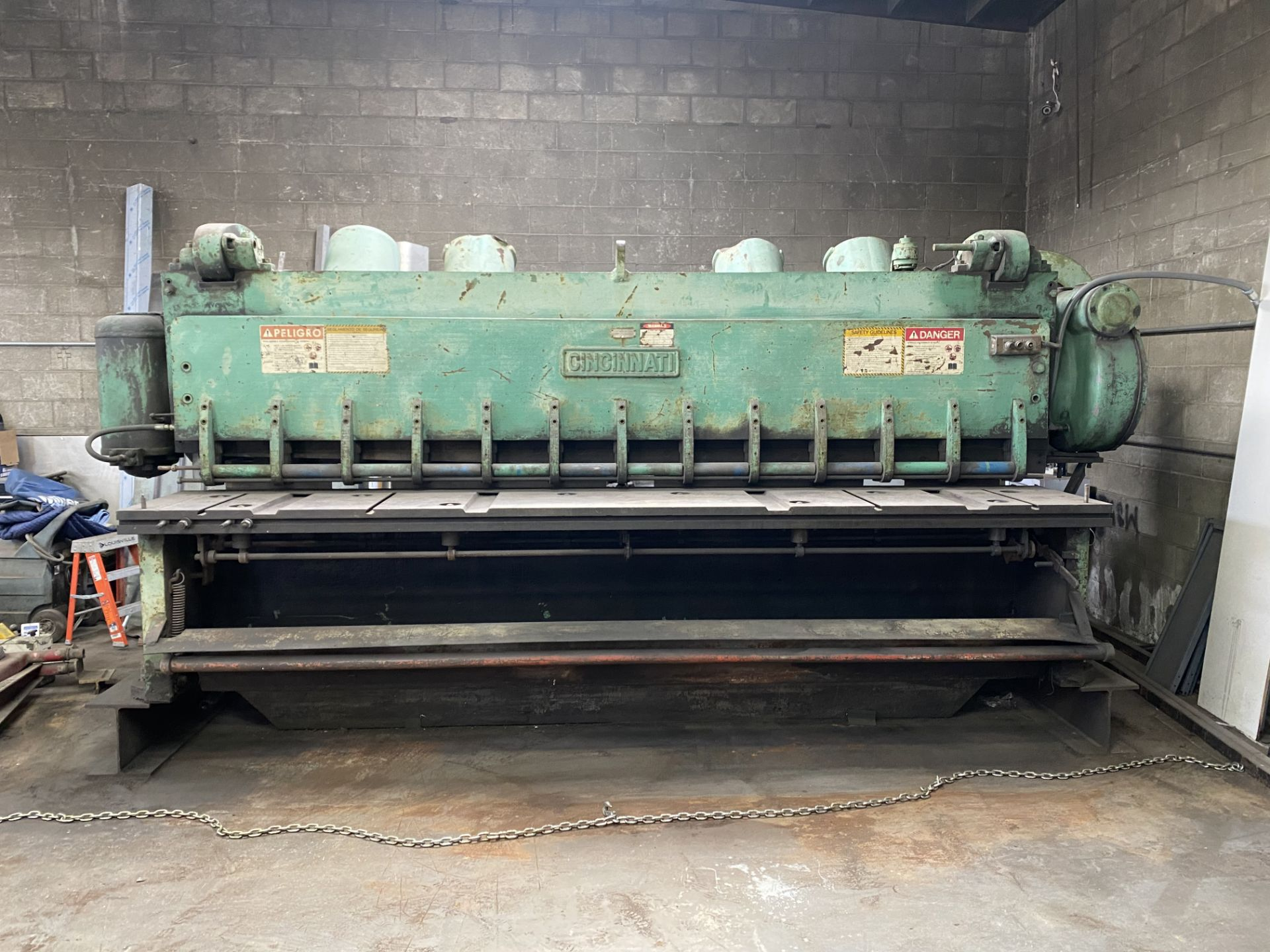 "Lot 1A - CINCINNATI POWER SQUARING SHEAR, MODEL 4312, 1/2"" X 12"" CAPACITY, S/N 14715 (LOCATION: COMPTON,"