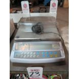 ADAM EQUIP COUNTING SCALE, MODEL CBK16A