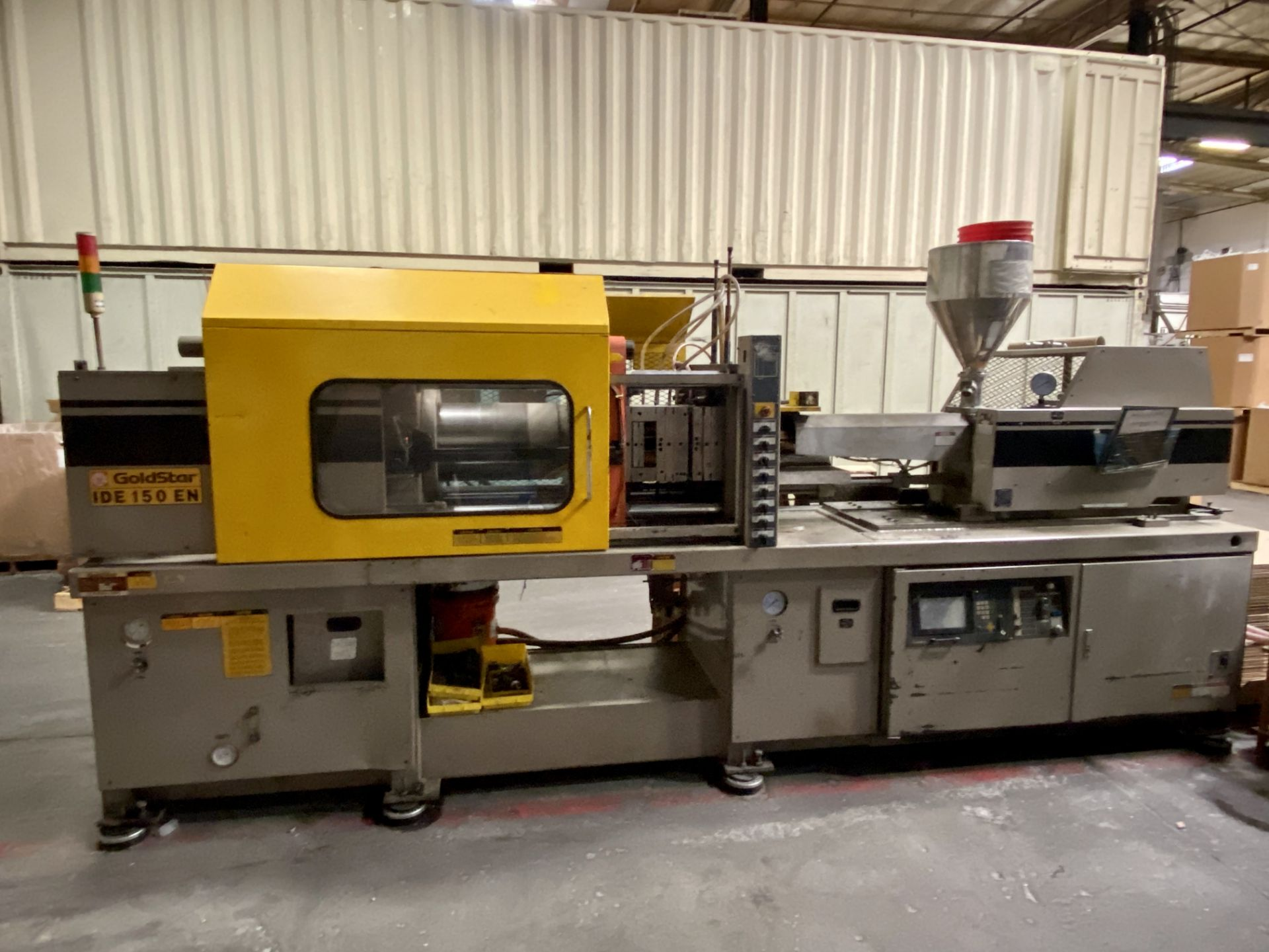 Lot 0A - GOLDSTAR INJECTION MOLDER, MODEL IDE150EN, 150 TON CAPACITY, S/N 1194015E3679