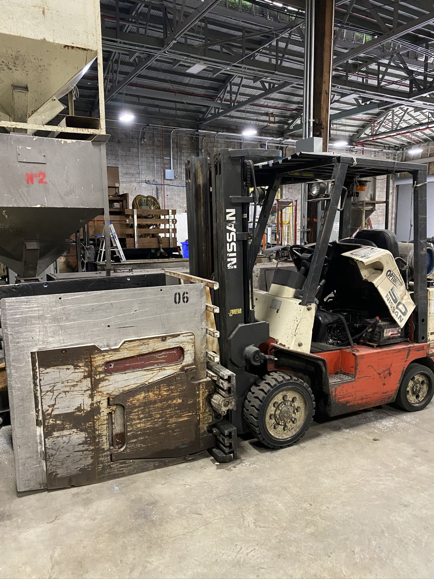 Lot 0C - VIEW OF FORKLIFTS