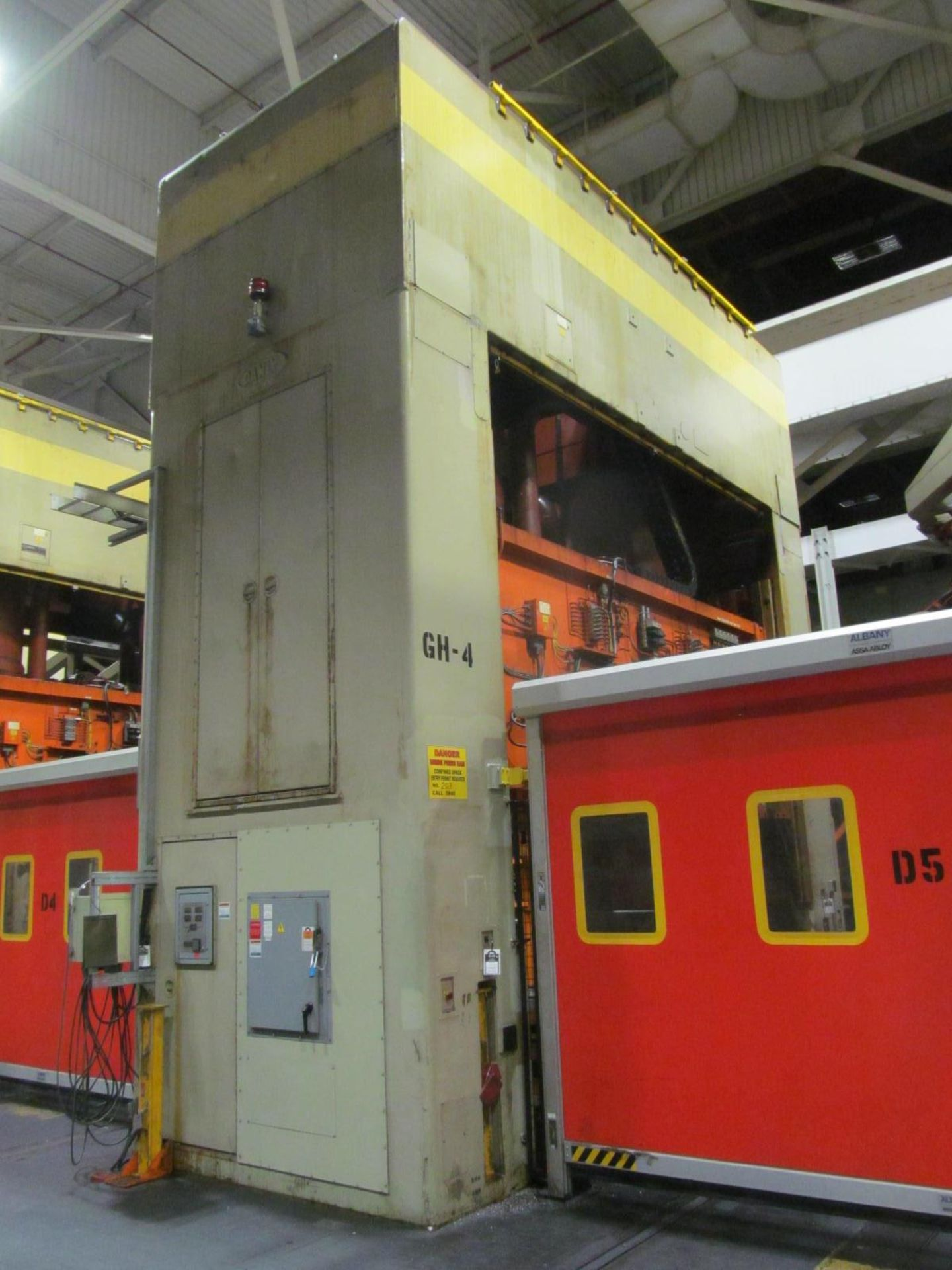 """Lot 2 - DANLY U4-1000-180-96 STRAIGHT SIDE PRESS, S/N 642026-01, 1000 TON CAPACITY, 180"""" X 96"""" BED, 36"""""""