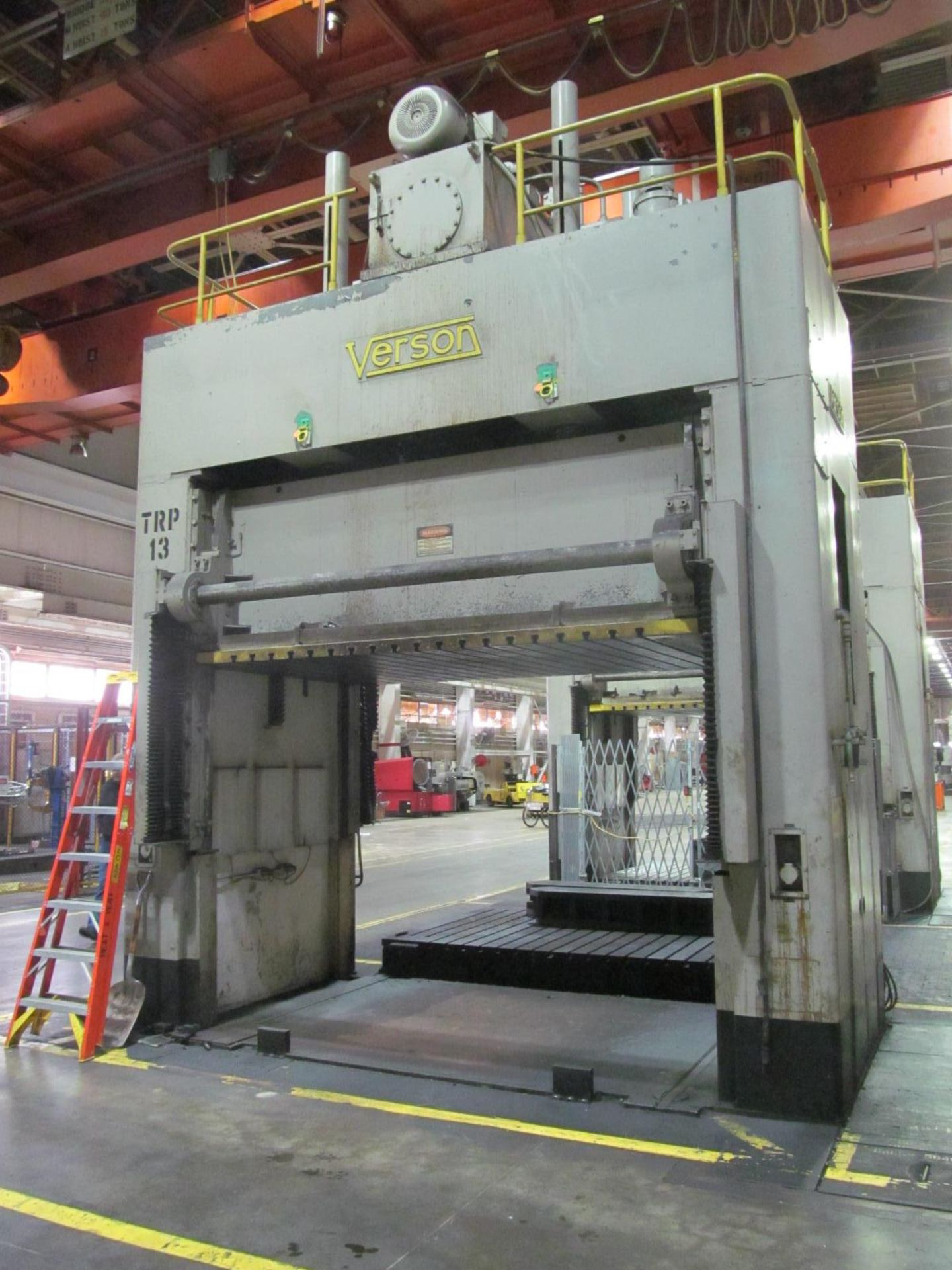 "Lot 20 - VERSON D2-50-132-84-DS HYDRAULIC SPOTTING PRESS S/N 22061, 50 TON CAPACITY, 132"" X 84"" BED, 48"""