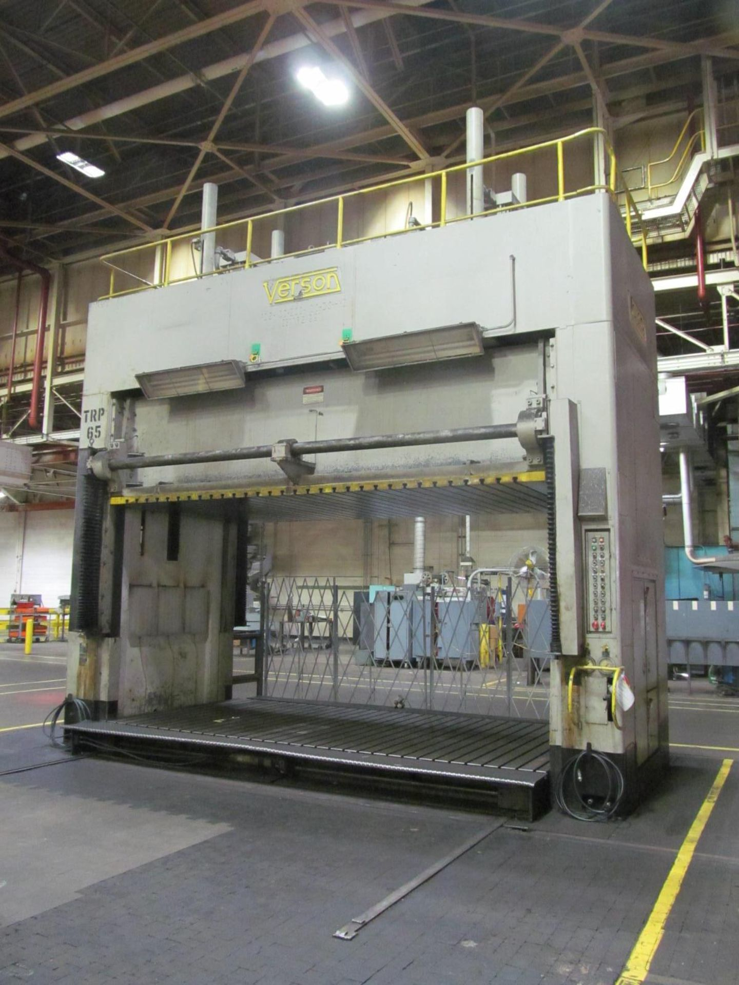 "Lot 19 - VERSON D2-100-200-100-DS HYDRAULIC SPOTTING PRESS S/N 21991, 100 TON CAPACITY, 200"" X 100"" BED,"
