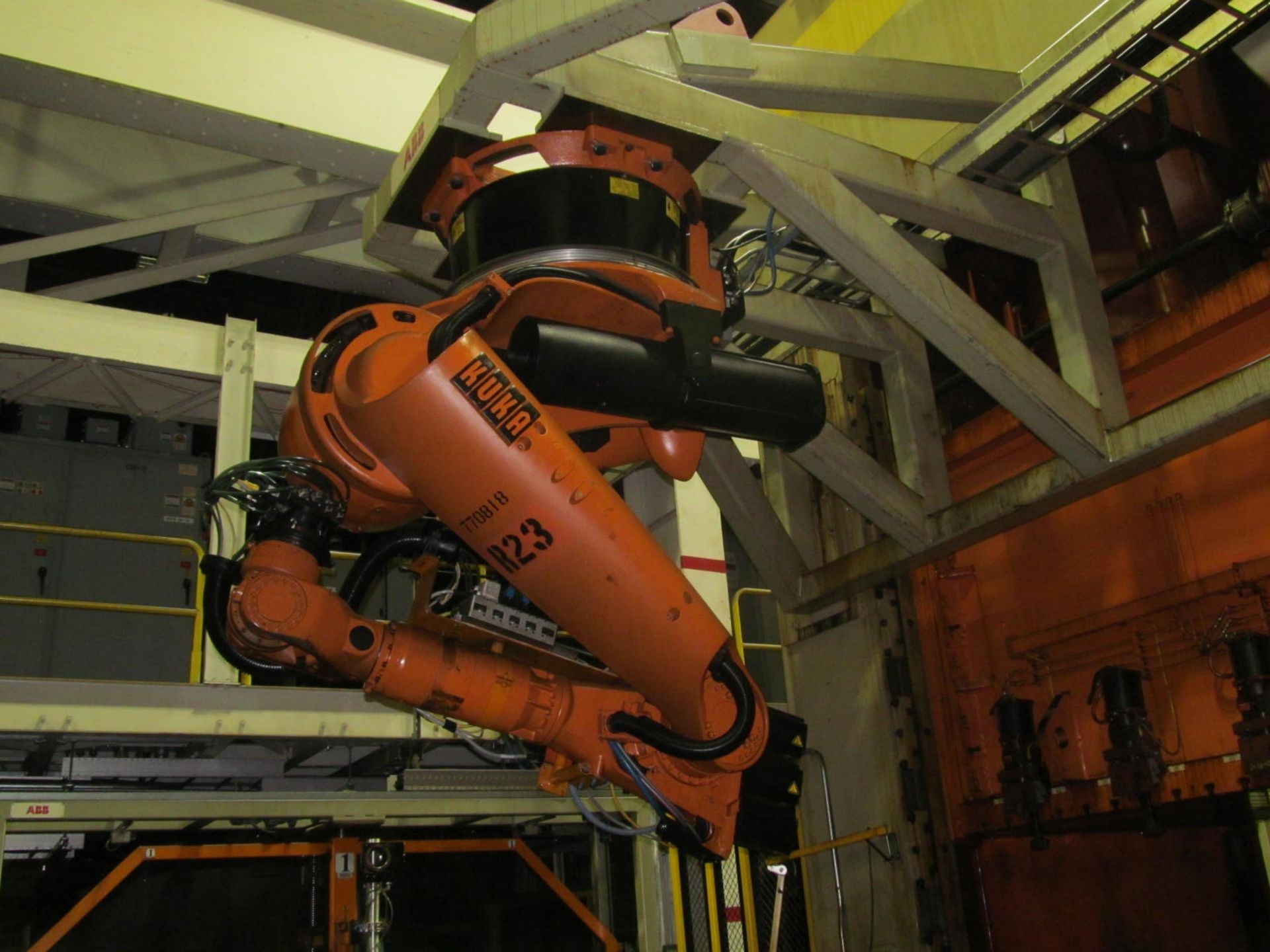 Lot 9 - 6-AXIS KUKA TRANSFER ROBOT w/ CONTROL & TEACH PAD, *PLEASE NOTE: SUBJECT TO SELLER CONFIRMATION*