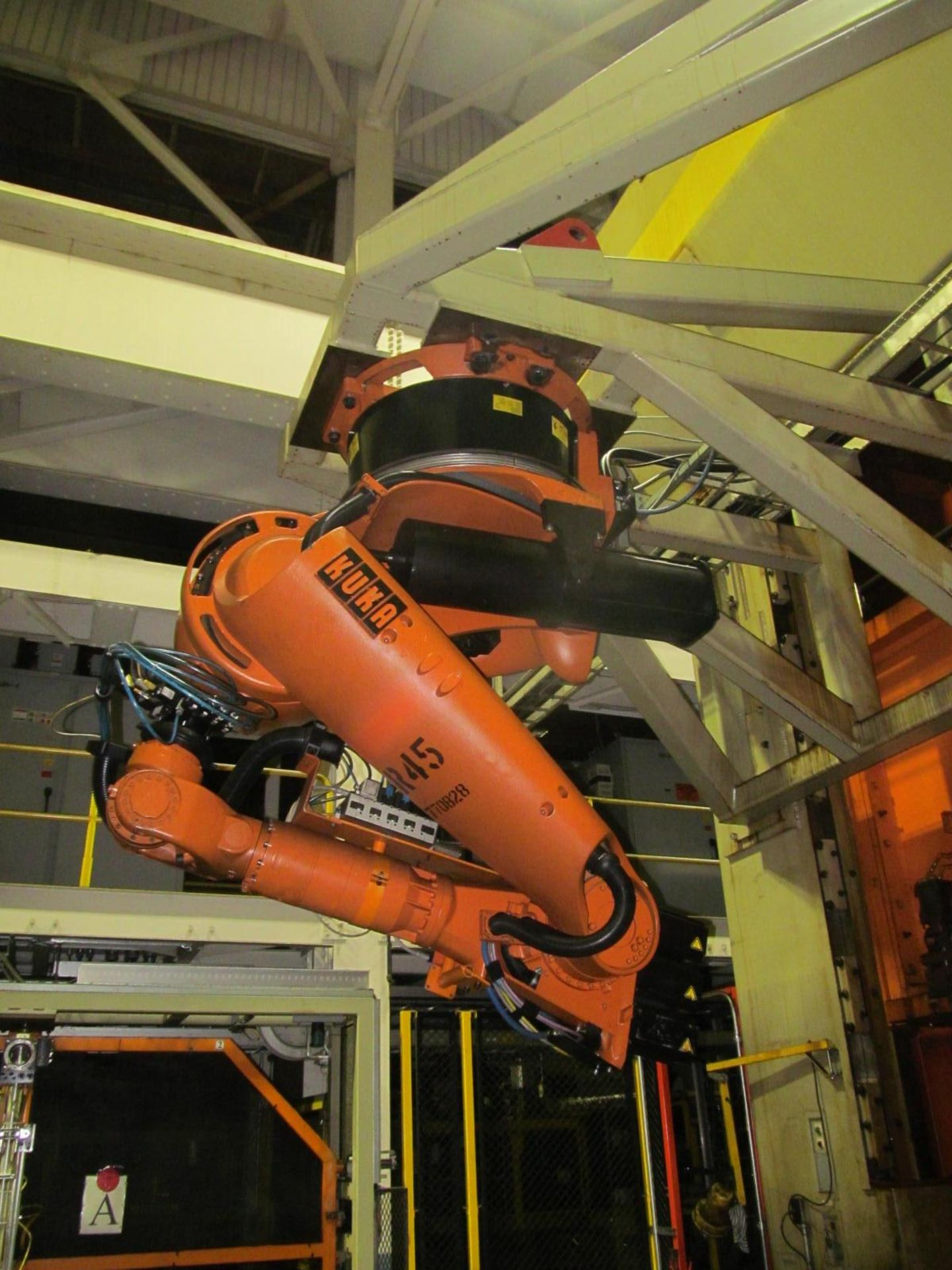 Lot 11 - 6-AXIS KUKA TRANSFER ROBOT w/ CONTROL & TEACH PAD, *PLEASE NOTE: SUBJECT TO SELLER CONFIRMATION*