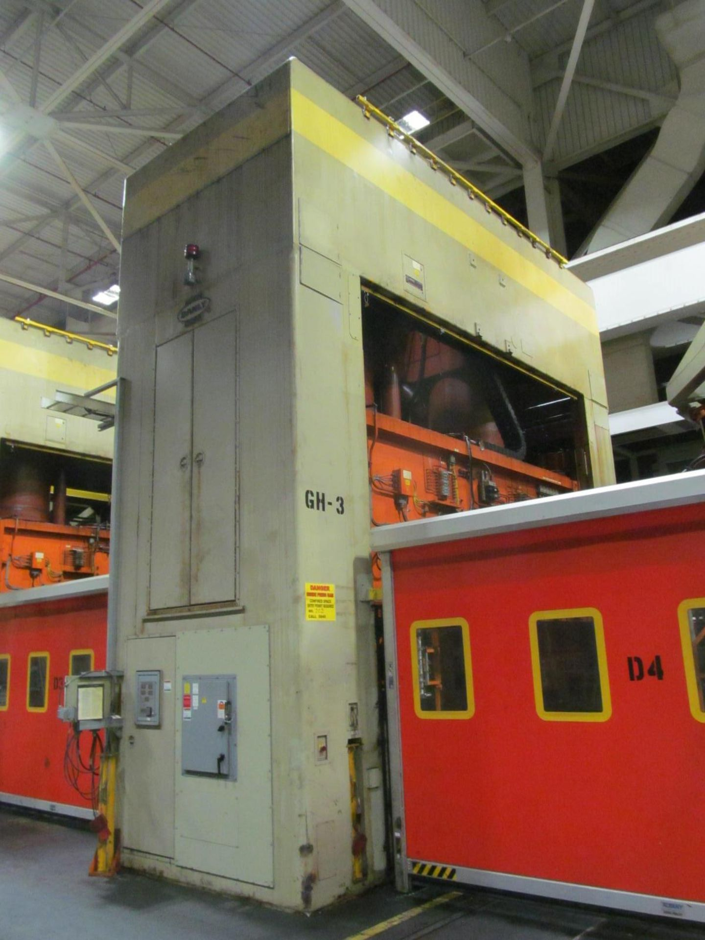 """Lot 4 - DANLY U4-1250-180-96 STRAIGHT SIDE PRESS, S/N 692820-03, 1250 TON CAPACITY, 180"""" X 96"""" BED, 36"""""""