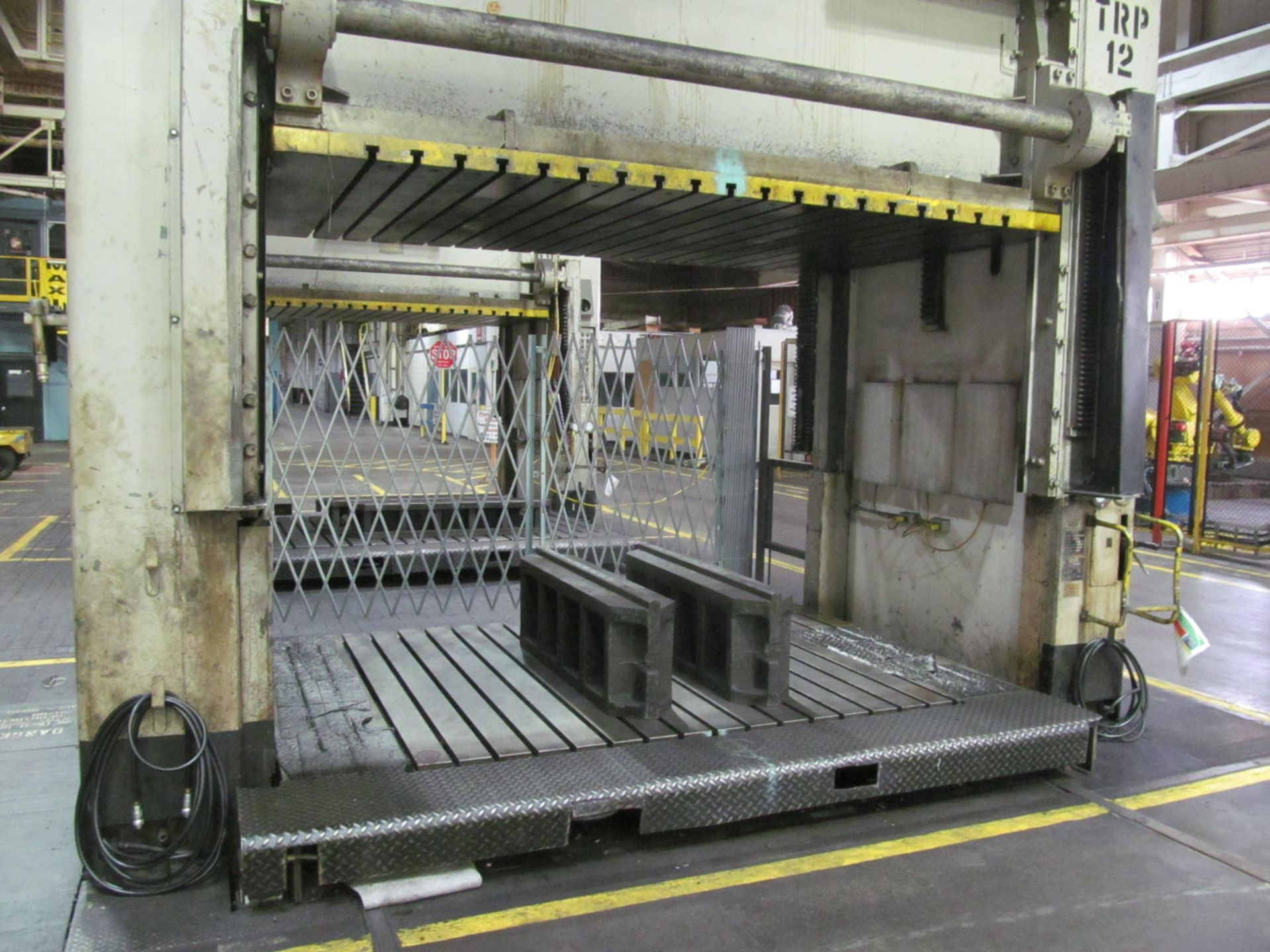 """Lot 21 - VERSON D2-50-132-84-DS HYDRAULIC SPOTTING PRESS S/N 22062, 50 TON CAPACITY, 132"""" X 84"""" BED, 48"""""""