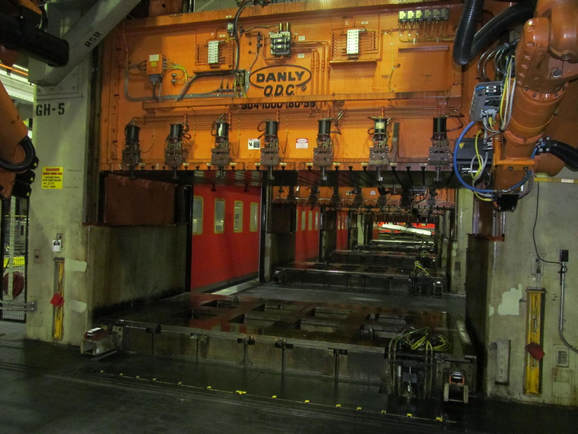 "Lot 5 - DANLY U4-1000-180-96 STRAIGHT SIDE PRESS, S/N na, 1000 TON CAPACITY, 180"" X 96"" BED, 36"" STROKE, 30"""