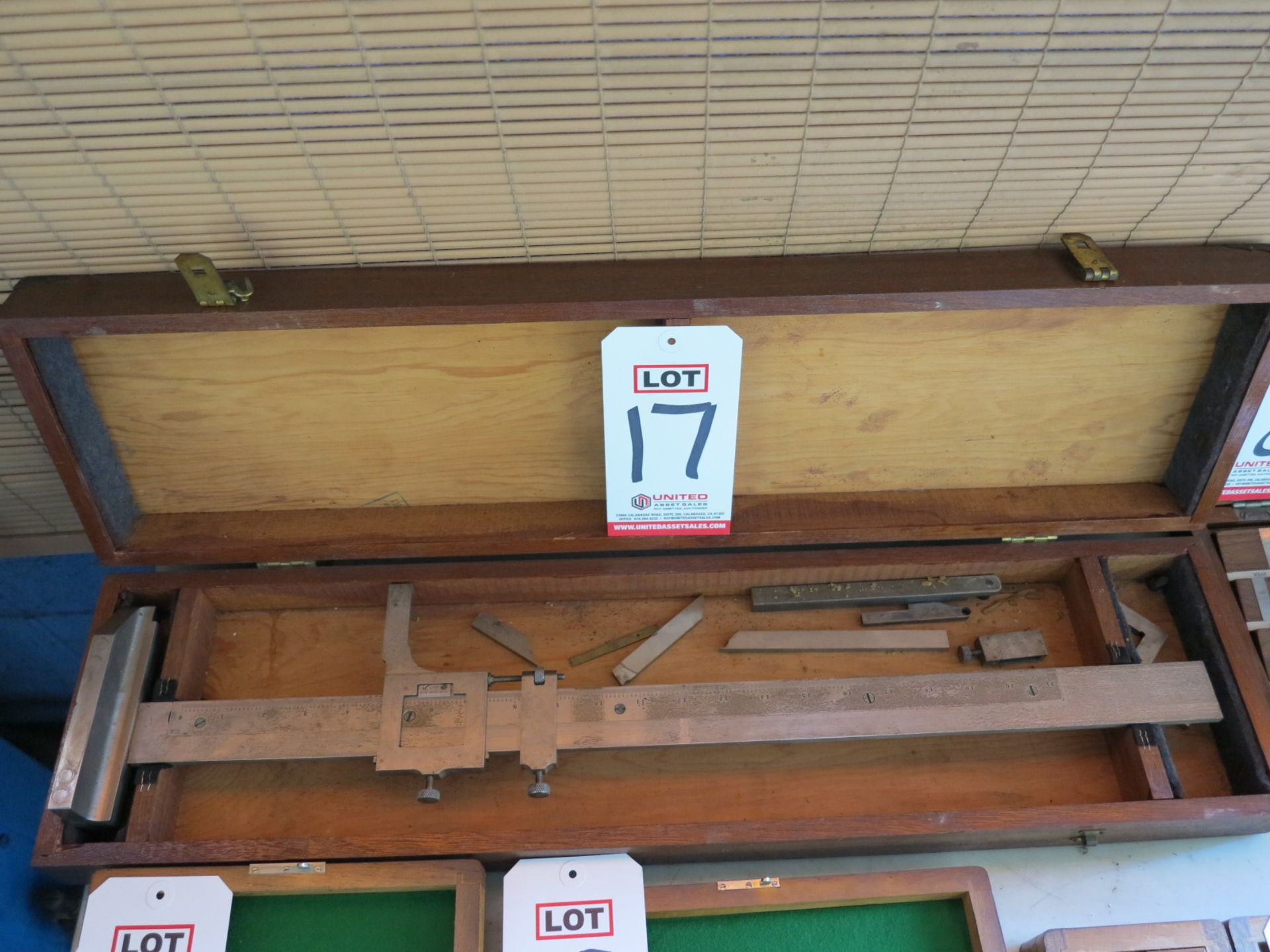 """Lot 17 - 21"""" HEIGHT GAGE"""